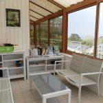 Gite de kerbugalic-veranda salon jeux.